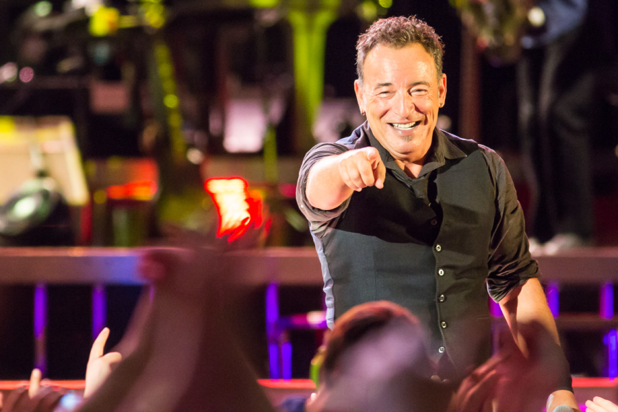 Bruce Springsteen held a magic concert at the second day in Norway. At a sold out venue, Bruce and his band held a 3 hour concert.